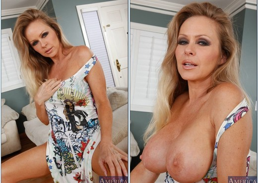Dyanna Lauren - My Friend's Hot Mom - MILF Image Gallery