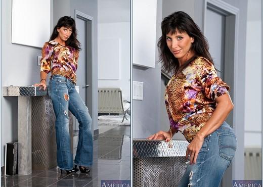 Lezley Zen - My Friend's Hot Mom - MILF Sexy Gallery