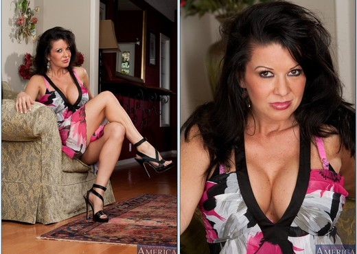 Raquel Devine - My Friend's Hot Mom - MILF Image Gallery