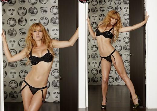 Heather Vandeven - VIPArea - Solo Picture Gallery
