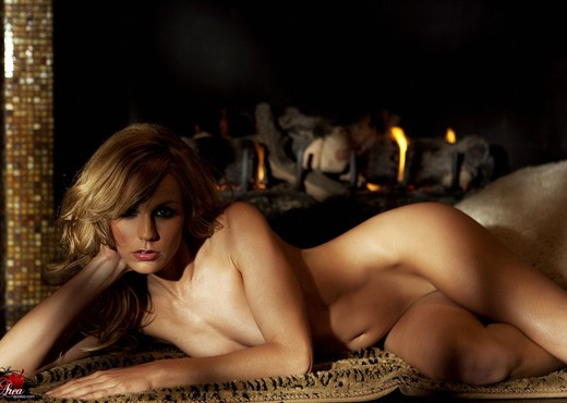 Crystal Klein - VIPArea - Solo Nude Gallery