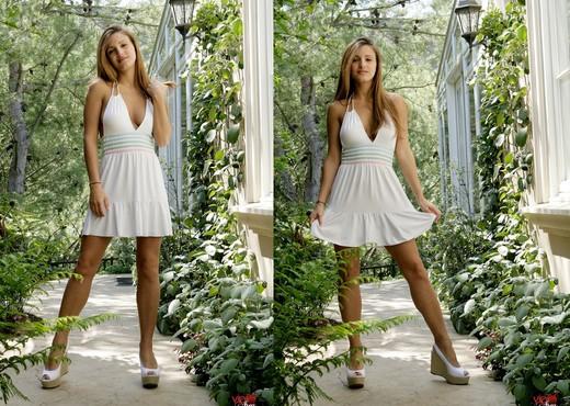 Andie Valentino - VIPArea - Solo Image Gallery