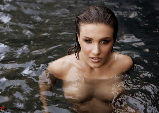 Andie Valentino - VIPArea - Solo TGP
