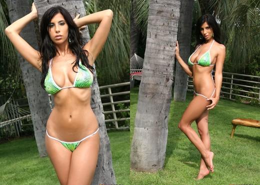Jaime Hammer - Shiny Green Thong & Water Hose - Pornstars Image Gallery