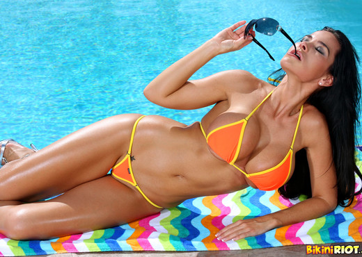 Laura Lee - Sizzling Orange Thong Bikini & Toy - Solo HD Gallery