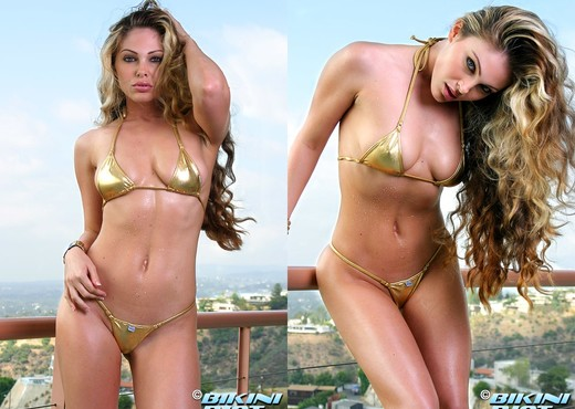 Jesse Capelli - Metallic Gold - Solo Sexy Gallery