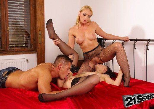 Kathia Nobili, Leda - 21Sextreme - Hardcore Nude Gallery