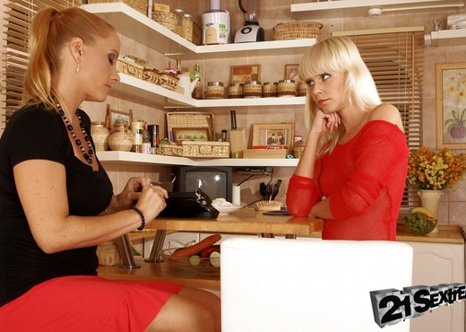 Katy Parker, Tracy Gold - 21Sextreme - Toys HD Gallery