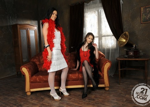Beata Undine, Betty - 21 Sextury - Lesbian Hot Gallery