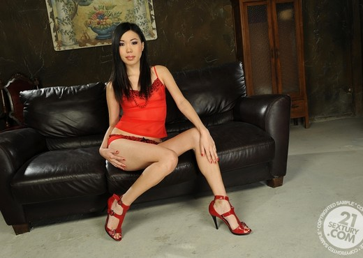 Yiki - 21 Sextury - Asian Hot Gallery