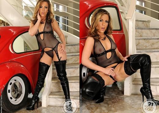 Carmen Valentina - 21 Sextury - Toys Nude Pics