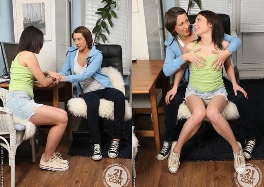 Olena, Kirsten - 21 Sextury - Lesbian Picture Gallery