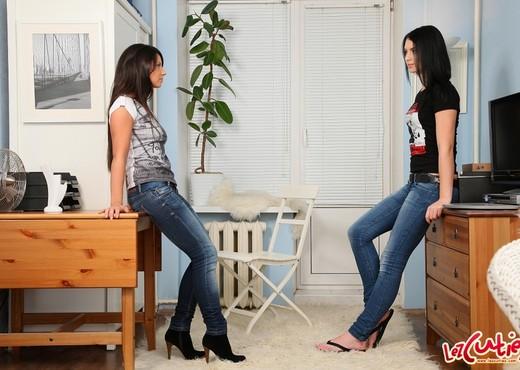 Megan, Mya Dark - 21 Sextury - Lesbian TGP