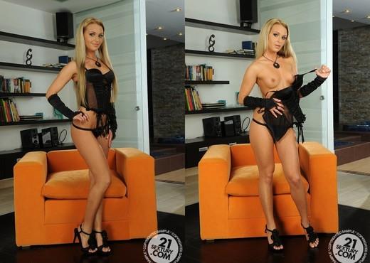 Amanda Blake - 21 Sextury - Toys Sexy Gallery