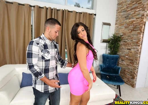 Alexa Pierce - Bow To That Body - Monster Curves - Hardcore Porn Gallery
