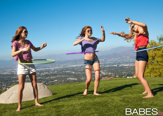 Girls Want To Party - Emma Stoned, Maci Winslett, Staci Carr - Lesbian Hot Gallery