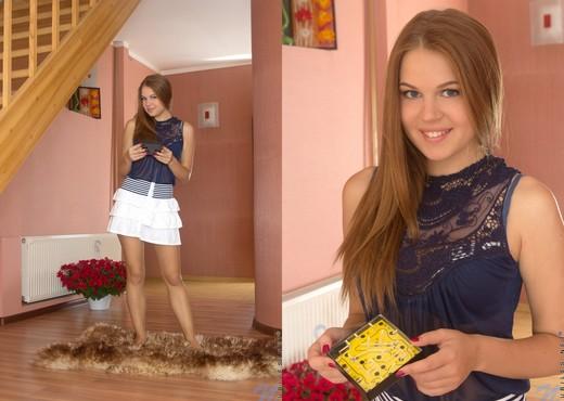 Eveline - Nubiles - Teen Solo - Teen Image Gallery