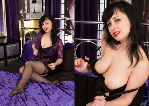 Nikita - Lace And Stockings - MILF Image Gallery