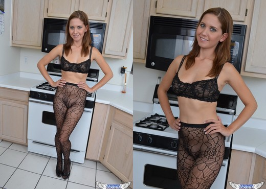 Chrissy Marie - Cooking For You - SpunkyAngels - Solo TGP