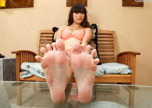 Maya Grand Loves the Feeling of a Cock Between Her Feet - Hardcore TGP