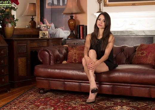 Chelsea French - Karup's Older Women - MILF Porn Gallery