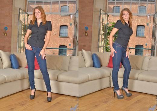 Ava Austen - Foxy Redhead - Anilos - MILF Sexy Photo Gallery
