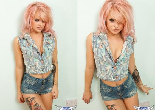 Rachael Lauren - Denim Babe - SpunkyAngels - Solo Sexy Gallery