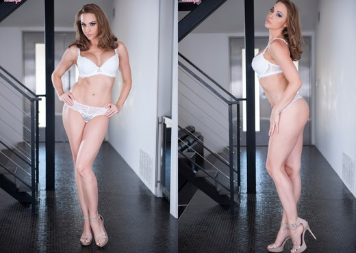 Chanel Preston Fucks Herself To An Amazing Orgasm - Pornstars Sexy Photo Gallery