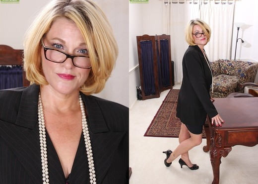 Kelsey Johnson - Karup's Older Women - MILF TGP