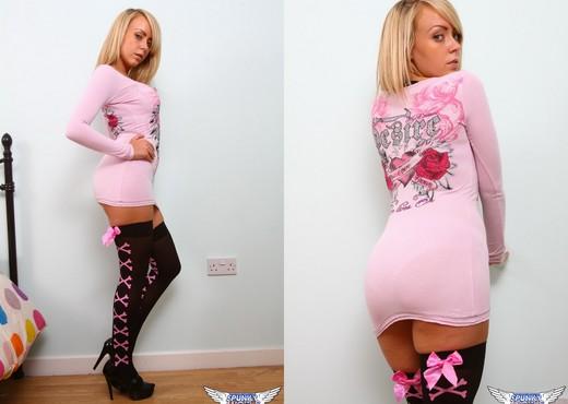 Millie Fenton - Desire - SpunkyAngels - Solo Sexy Gallery