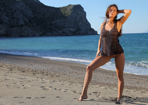 Juliette - Sea Breeze - PhotoDromm - Solo Sexy Photo Gallery