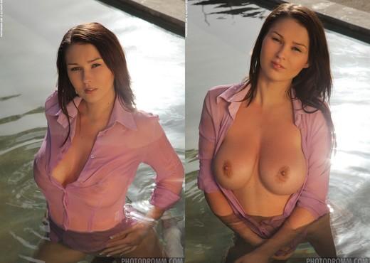 Corinne - Cool Pool - PhotoDromm - Solo Image Gallery