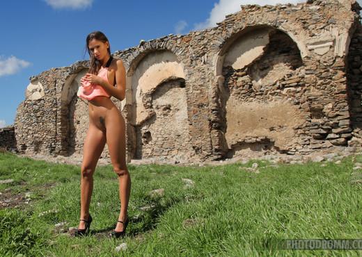 Juliette - Lost Castle - PhotoDromm - Solo Porn Gallery