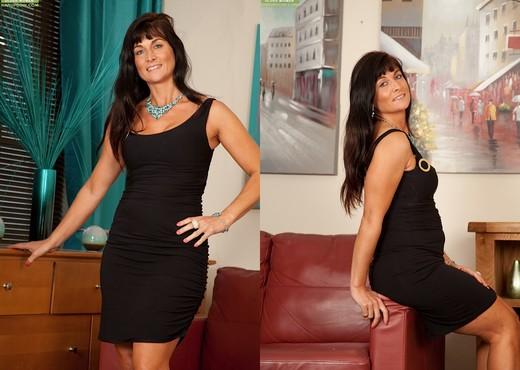 Lelani Tizzie - Karup's Older Women - MILF Nude Pics