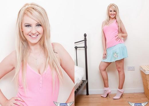 Katie K - Baby Blues & Pinks - SpunkyAngels - Solo Image Gallery