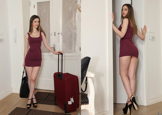Stella Cox - Ass On Stella - Mike's Apartment - Anal Hot Gallery