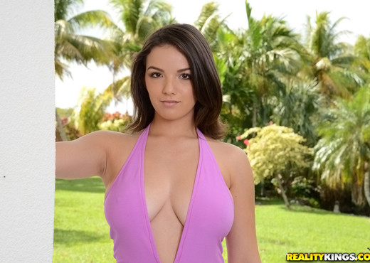 Shae Summers - Squeeze And Tease - Big Naturals - Boobs Image Gallery