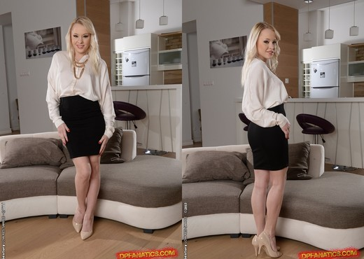Lola Taylor - Everything for business - DPFanatics - Hardcore Hot Gallery