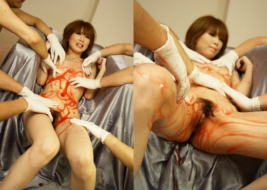 Rika Sakurai gets lots of vibrators all over her body - Asian Picture Gallery