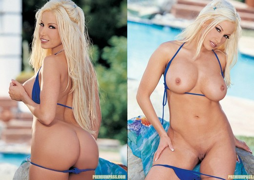 Gina Lynn Hangs Out By The Pool Before Stripping Down - Pornstars TGP