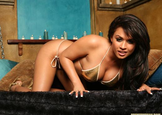 Eva Angelina poses naked - Pornstars HD Gallery
