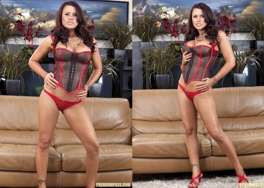 Eva Angelina gets down to the skin - Pornstars TGP