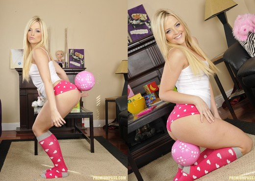 Alexis Texas Played With Myself Before The Sleepover - Pornstars Picture Gallery