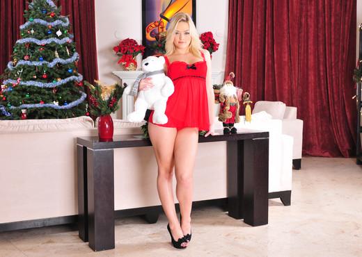 Celebrating The Holidays - Alexis Texas - Pornstars Sexy Gallery