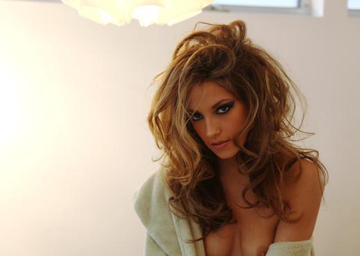 Jenna Haze, Horny and Glamorous - Solo TGP