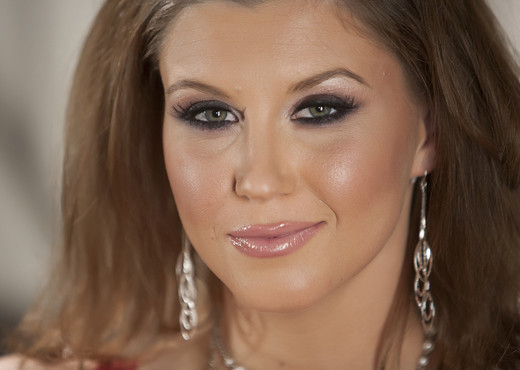 Sara Stone - Premium Pass - Solo Image Gallery
