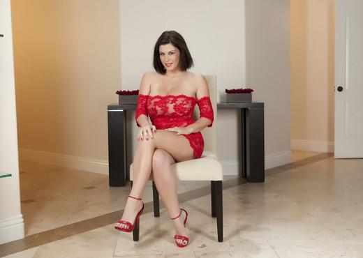 Sara Stone - Premium Pass - Solo Picture Gallery