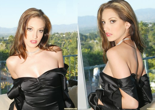 Pornstar Jenna Haze Stripping Outside and In Private - Solo Hot Gallery