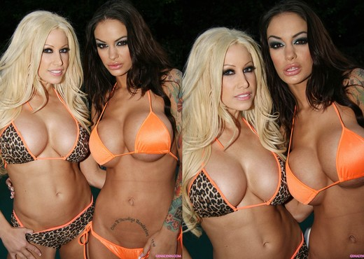 Angelina Valentine and Gina Lynn In Public!  Uh Oh - Lesbian Nude Pics