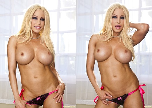Male Intruder Wants to Fuck Gina Lynn - Hardcore Nude Pics